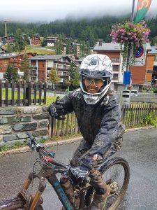 Un dossard avant l'hiver • Camille Rast | Skieuse | Swiss ...